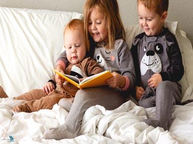 چگونه کودکانمان را به خواندن کتاب دعوت کنیم؟